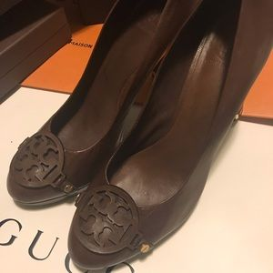 Tory Burch 11 Brown Leather Pump